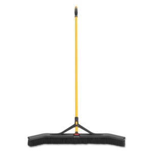 Rubbermaid® Commercial Maximizer™ Push-to-Center Broom